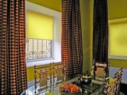 Выбираем рулонные шторы для кухни: советы специалистов